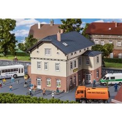Faller 130457 HO 1/87 Mairie avec école - Town hall with school